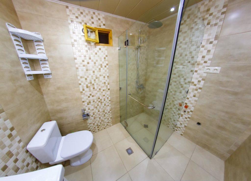 Central House Tbilisi Bathroom