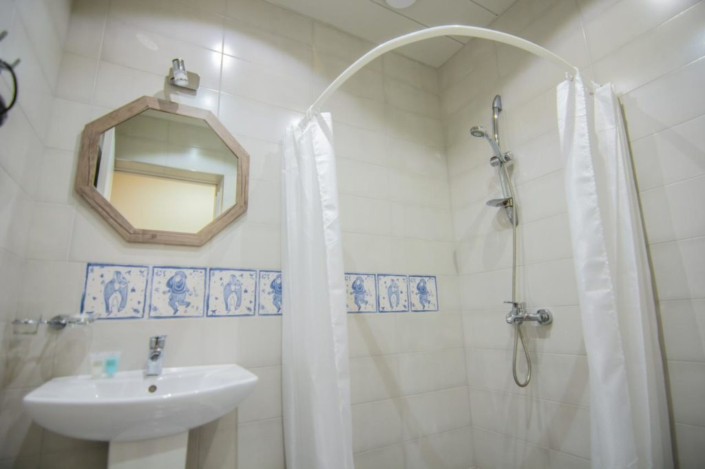 Sighnaghi Bellevue Boutique Hotel bathroom