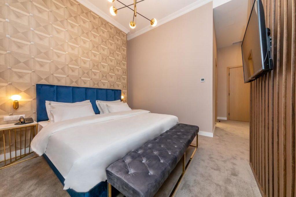 newport hotel kutaisi bedroom