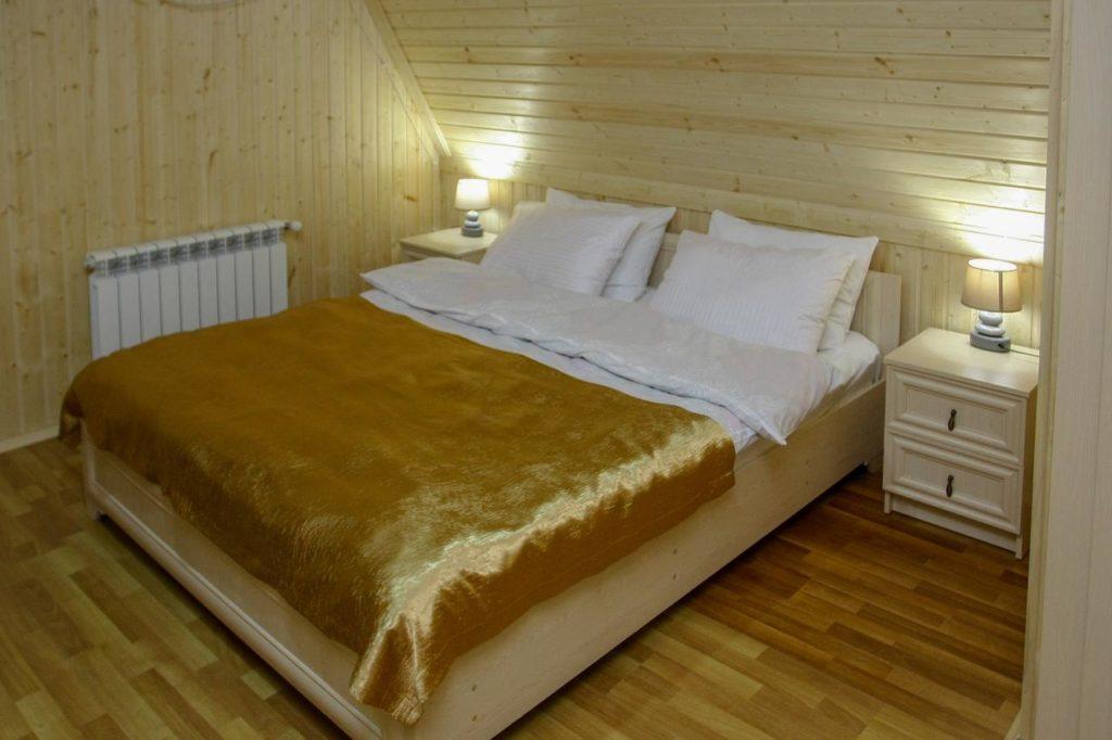 park hotel kutaisi bedroom
