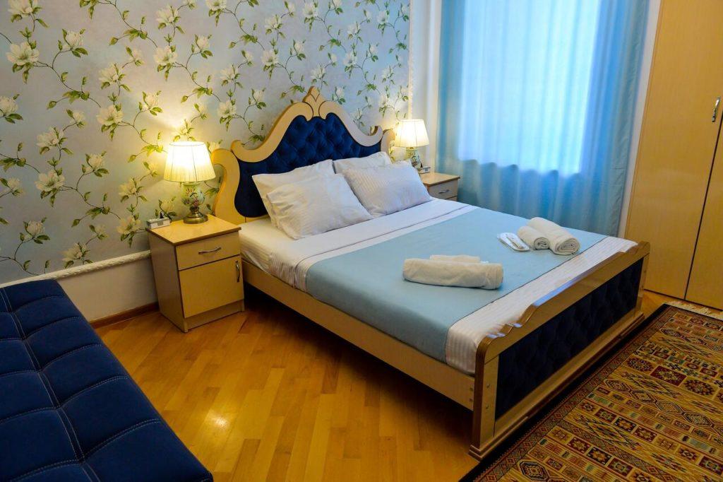 sanapiro hotel kutaisi bedroom
