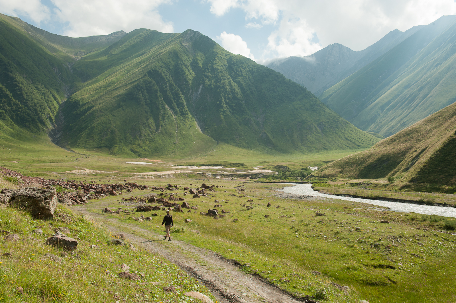 truso valley kazbegi day trip