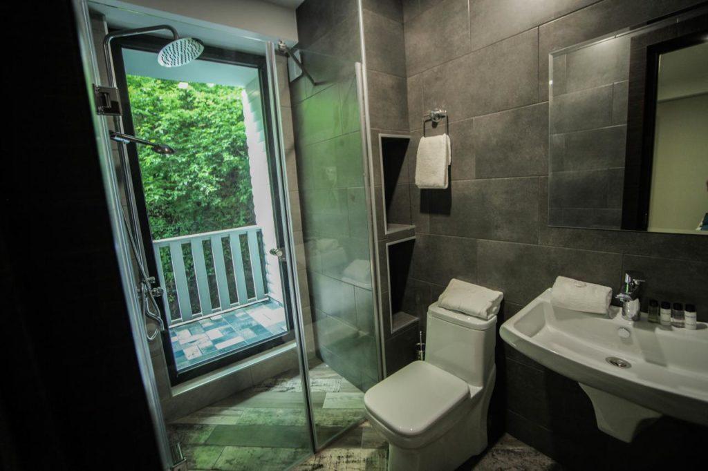borjomi underwood hotel bathroom